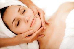 Привілеї обслуговування у косметолога в салоні краси